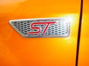 orange - Ford Focus ST