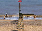 A Groyne at Gorleston Beach, Project 52 Leading lines