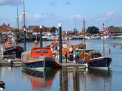 Vibrant: Lifeboats