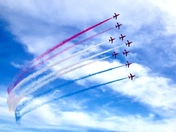 Leading lines from the red arrows