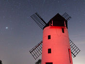 Somersets Moulin Rouge (Ashton Windmill at midnight)