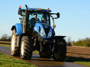 Suffolk Young Farmers Xmas Charity Tractor Run