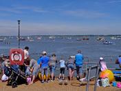 Crabbing crowds