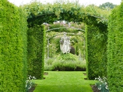 PROJ 52, ARCHES, HEDGING ARCHES AT HOUGHTON HALL
